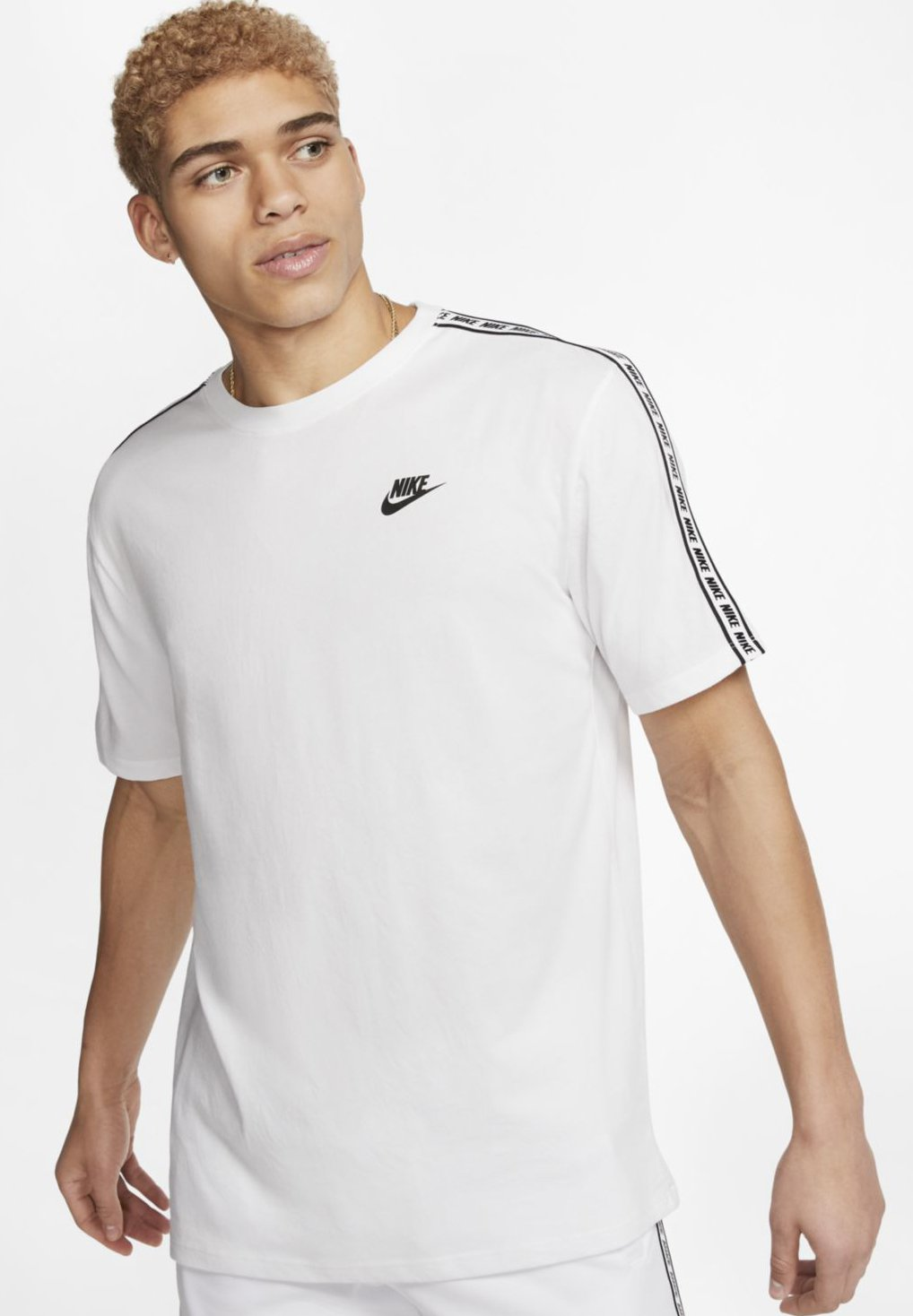 Nike Sportswear M NSW REPEAT SS TEE - T-shirt z nadrukiem - white/black