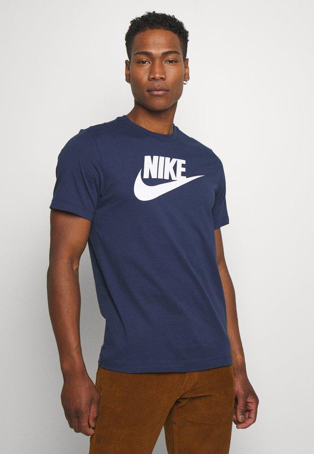 TEE ICON FUTURA - T-shirt print - midnight navy/white