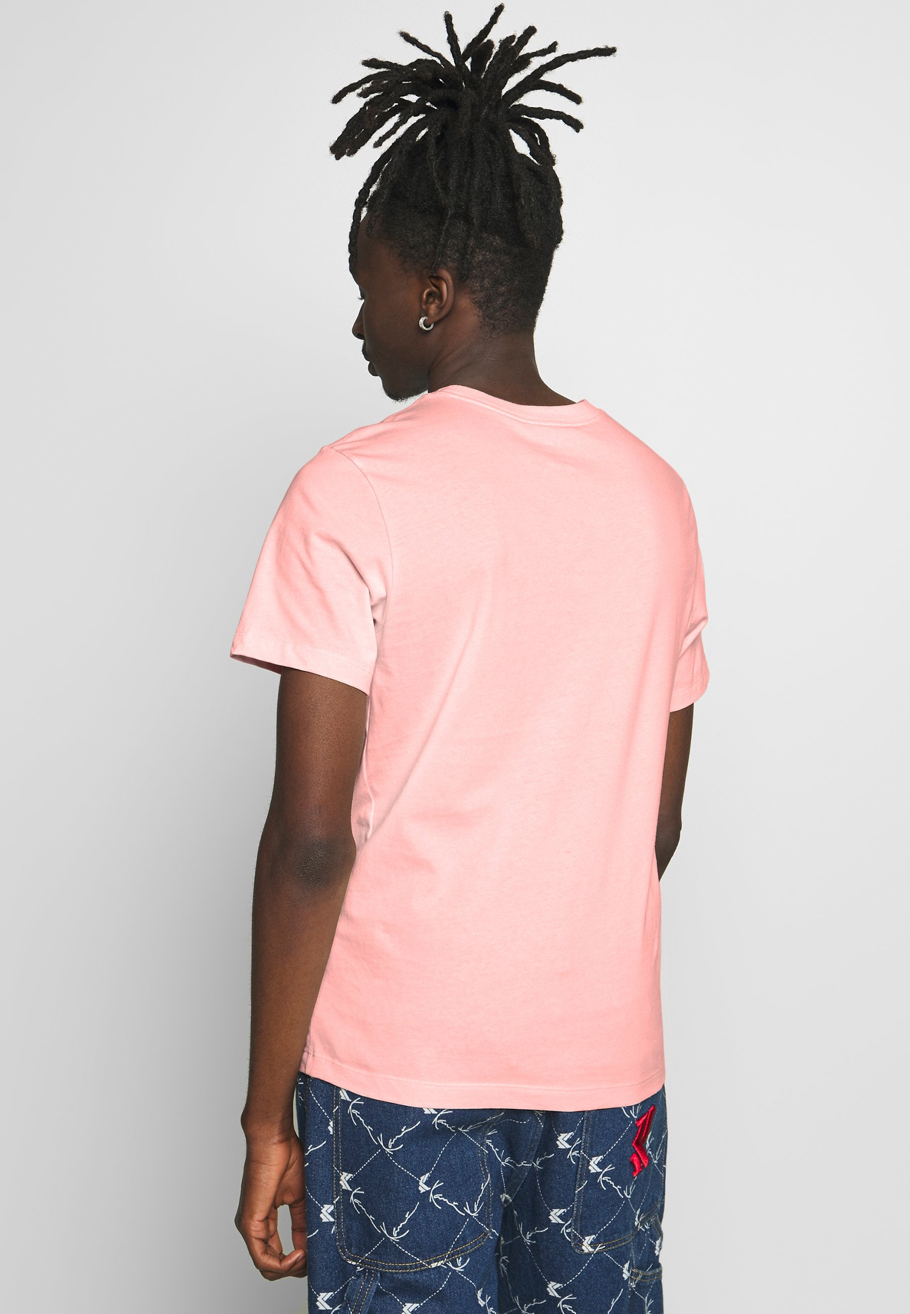Nike Sportswear CLUB TEE - T-shirt basic - washed coral