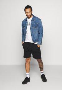 Nike Sportswear - TEE AIR - T-shirt med print - sail - 1