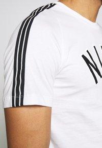 Nike Sportswear - TEE AIR - T-shirt med print - sail - 4