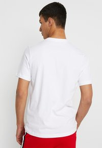 Nike Sportswear - T-Shirt print - white/black/university red - 2