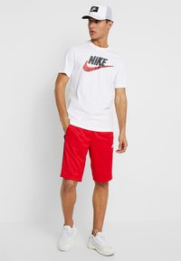 Nike Sportswear - T-Shirt print - white/black/university red - 1