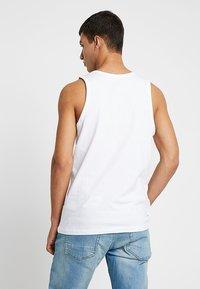 Nike Sportswear - CLUB TANK - Linne - white/black - 2