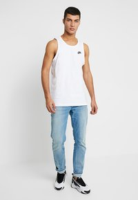Nike Sportswear - CLUB TANK - Linne - white/black - 1
