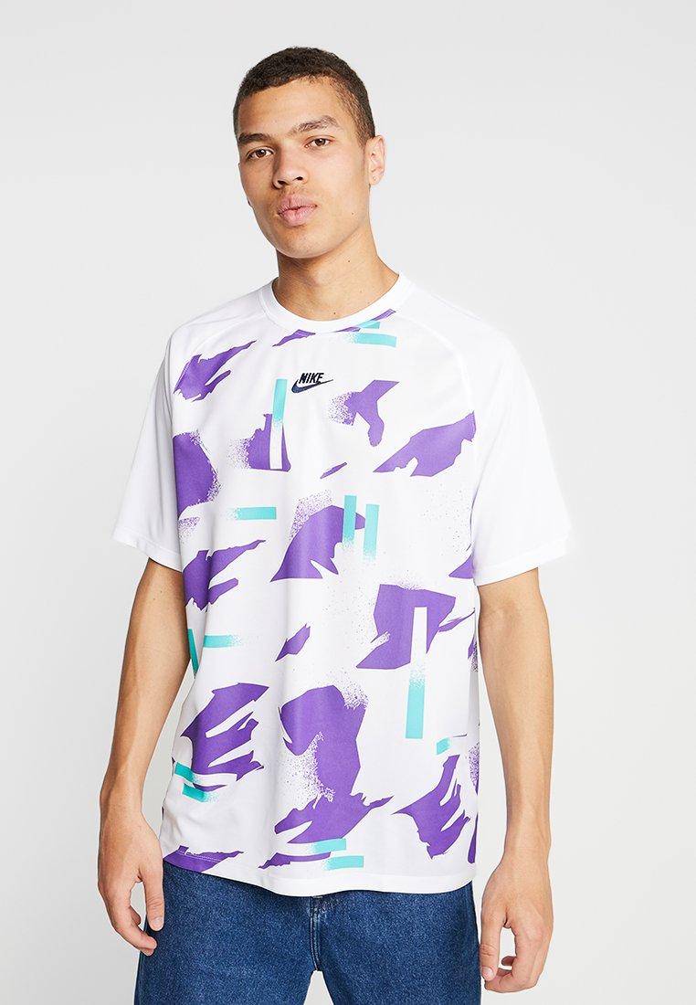 Nike Sportswear - FESTIVAL - Triko spotiskem - white