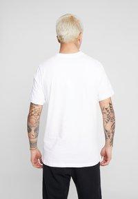 Nike Sportswear - TEE NIKE AIR  - T-shirt med print - white - 2
