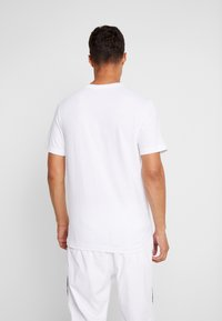 Nike Sportswear - TEE  - Camiseta estampada - white/midnight navy - 2