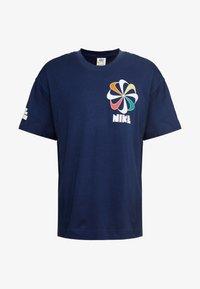 Nike Sportswear - TEE CLASSICS - T-shirt con stampa - midnight navy - 3