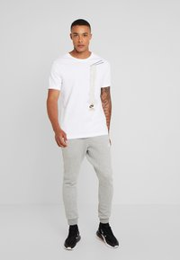 Nike Sportswear - T-shirt med print - white - 1