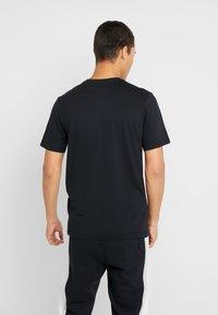 Nike Sportswear - TEE REMIX - T-shirt imprimé - black - 2