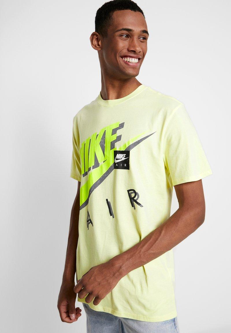 Nike Sportswear - TEE - T-Shirt print - luminous green/green