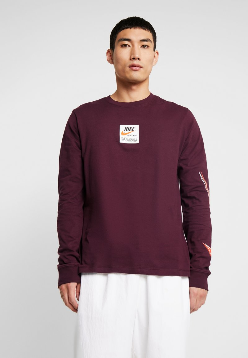 Nike Sportswear - TEE  PRNT  - T-shirt à manches longues - night maroon