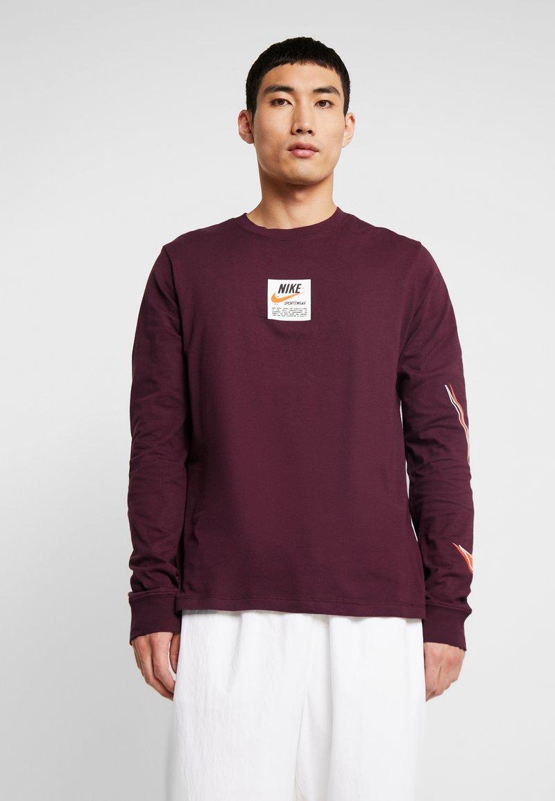 Nike Sportswear - TEE  PRNT  - Long sleeved top - night maroon