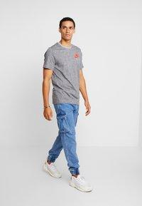 Nike Sportswear - TEE  AIR - Camiseta estampada - grey heather - 1