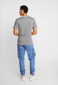 Nike Sportswear - TEE  AIR - Camiseta estampada - grey heather - 2