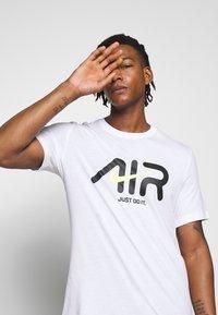 Nike Sportswear - TEE - Print T-shirt - white - 5