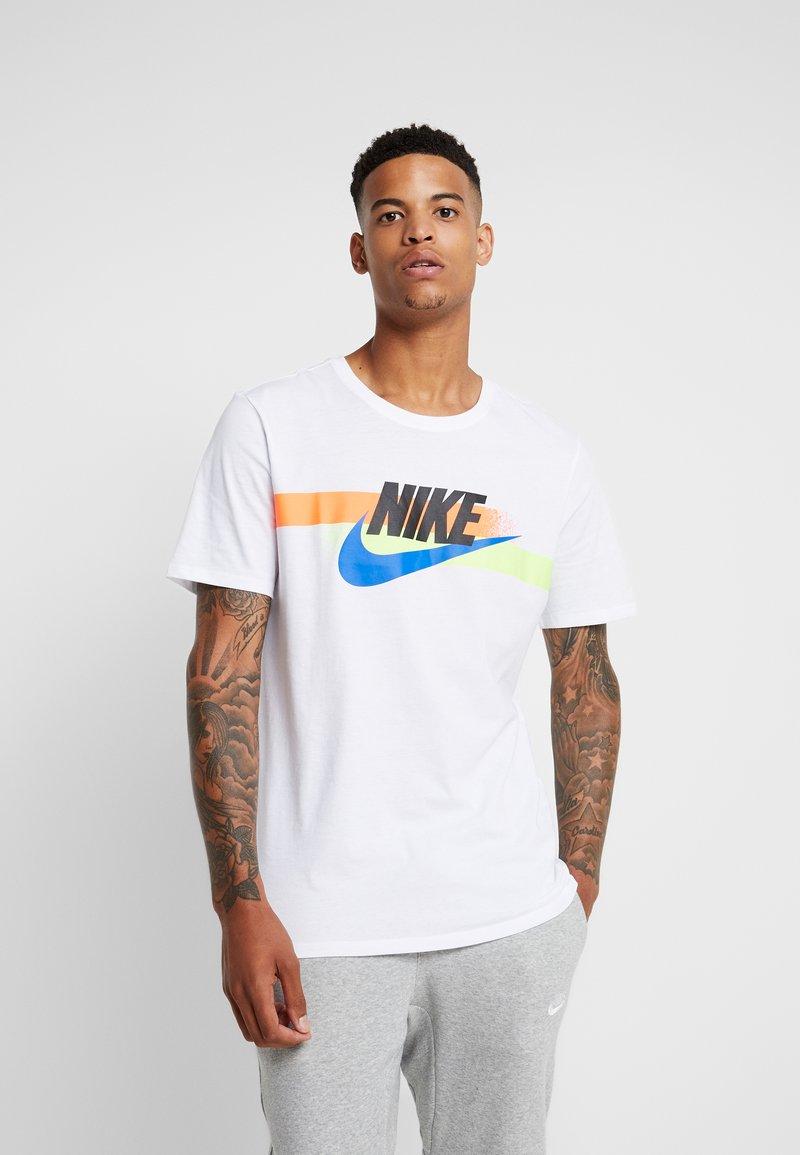 Nike Sportswear - TEE TUNEDAIR - Print T-shirt - white