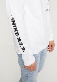 Nike Sportswear - TEE - Long sleeved top - white - 4