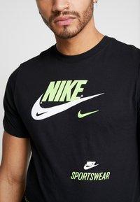 Nike Sportswear - TEE - T-shirts med print - black - 6