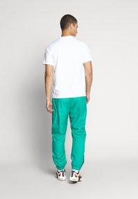 Nike Sportswear - Print T-shirt - white/black - 2