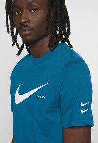 Nike Sportswear - T-shirt con stampa - blue - 4
