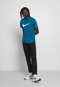 Nike Sportswear - T-shirt con stampa - blue - 1