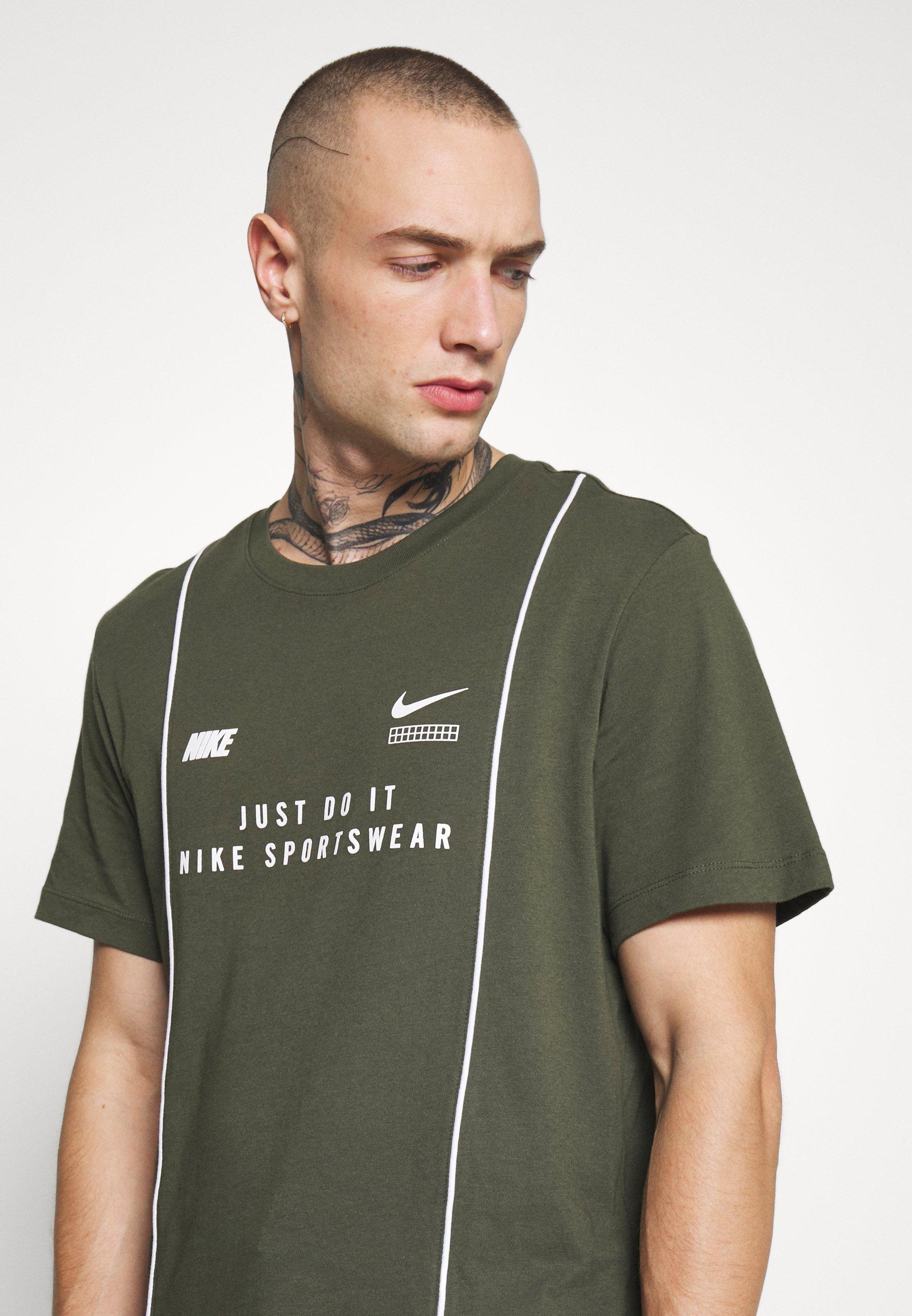 Nike Sportswear TEE - T-shirt con stampa - cargo khaki/white