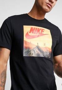 Nike Sportswear - AIR PHOTO - T-shirt con stampa - black - 4