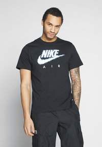Nike Sportswear - AIR ILLUSTRATION TEE - Camiseta estampada - black - 0