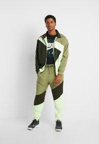 Nike Sportswear - Maglietta a manica lunga - black - 1