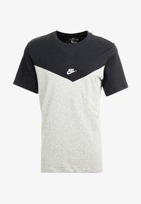 Nike Sportswear - ICON FUTURA - Camiseta estampada - black/grey heather/white - 4