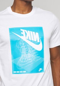 Nike Sportswear - FESTIVAL TEE - Print T-shirt - white/laser blue - 5