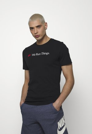 M NSW TEE AIRATHON RUN THINGS - T-shirt z nadrukiem - black