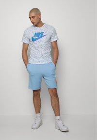 Nike Sportswear - PRINT PACK - T-shirt imprimé - white - 1