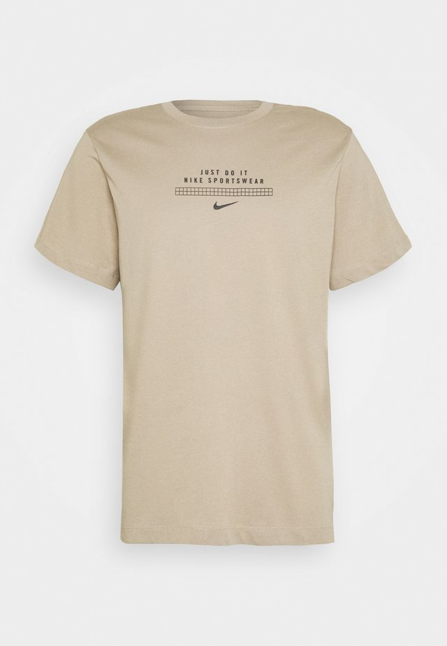 TEE - T-shirt print - khaki/black