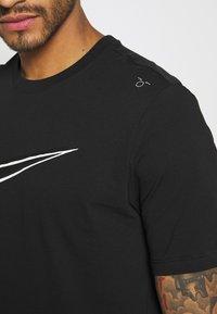 Nike Sportswear - TEE - T-shirt print - black - 4