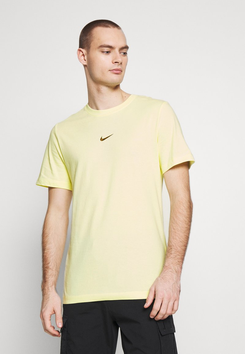 Nike Sportswear - TEE - T-shirt con stampa - luminous green