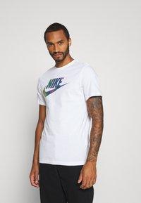 Nike Sportswear - TEE FESTIVAL - Print T-shirt - white - 0