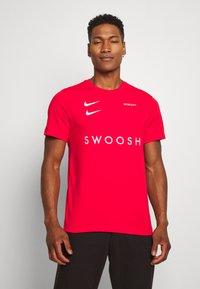 Nike Sportswear - Print T-shirt - red - 0