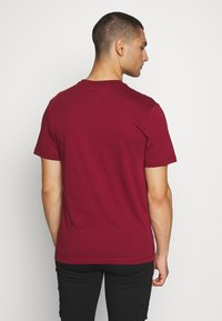 Nike Sportswear - CLUB TEE - T-shirt imprimé - team red - 2