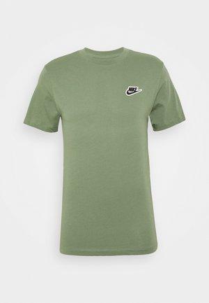 Basic T-shirt - spiral sage