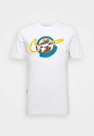 TEE WORLDWIDE - T-shirt z nadrukiem - white