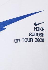 Nike Sportswear - T-shirt con stampa - white - 2