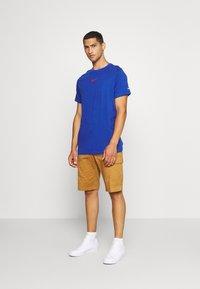 Nike Sportswear - Print T-shirt - game royal - 1