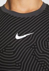 Nike Sportswear - T-shirt con stampa - black - 7