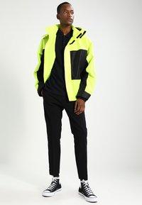 Nike Sportswear - MATCHUP - Polo - black - 1
