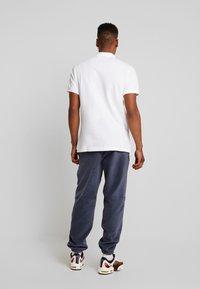 Nike Sportswear - M NSW CE POLO MATCHUP PQ - Koszulka polo - white - 2