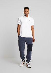Nike Sportswear - M NSW CE POLO MATCHUP PQ - Koszulka polo - white - 1