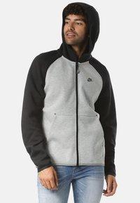 Nike Sportswear - REGULAR FIT - Huvtröja med dragkedja - gray - 2